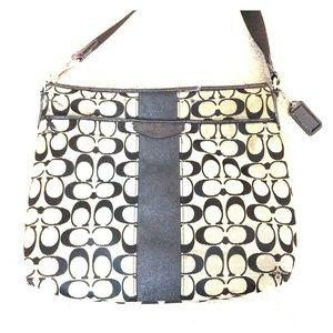 💕 Coach black gray jacquard crosssbody bag 💕